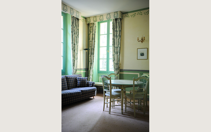 appartement chateau 23 woonkamer | Chateau des Gipieres